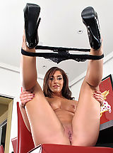 Mischa Brooks Hot Babes with clean shaved pussies