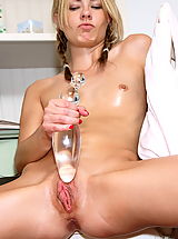 kylie richards 01 perfect pussy glass dildo